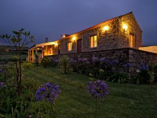 Romantic 1 bedroom Nordestinho Cottage with Internet Access - Nordestinho vacation rentals