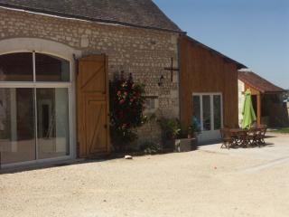 4 bedroom Gite with Internet Access in Descartes - Descartes vacation rentals