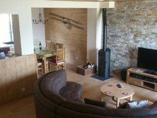Chalet with beautiful lake and mountain views - Les Angles vacation rentals
