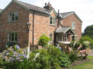 Idyllic boutique Chester Cheshire Cottage, - Chester vacation rentals