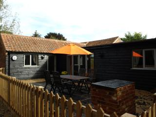 Lodge Farm Holiday Barns - Lakeview - Bawburgh vacation rentals