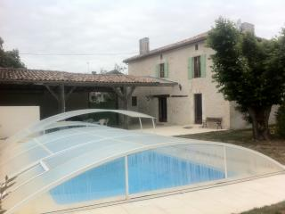 Nice Gite with Central Heating and Grill - Bran vacation rentals