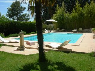 Bright Carnoux-en-Provence Studio rental with Internet Access - Carnoux-en-Provence vacation rentals