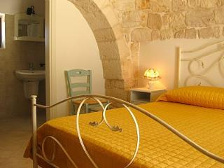 Gorgeous 1 bedroom Martina Franca House with Deck - Martina Franca vacation rentals