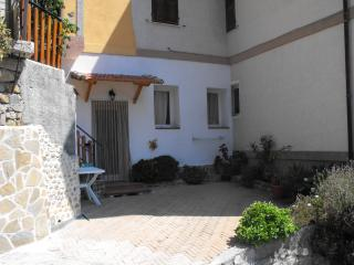 Cozy Ventimiglia Studio rental with Internet Access - Ventimiglia vacation rentals