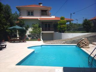 Villa with swimming pool, close to Geres & Braga - Terras de Bouro vacation rentals