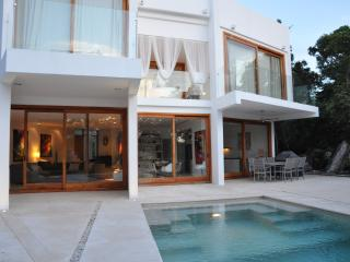 VILLA KATXE, OVER GOLF COURSE - Akumal vacation rentals