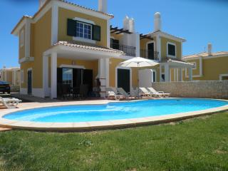 Spacious Villa with Internet Access and A/C - Guia vacation rentals
