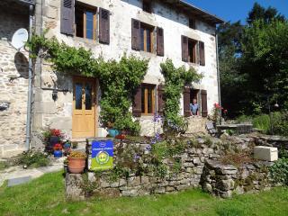 Les Grands Magneux Holiday cottage - Bessines-sur-Gartempe vacation rentals