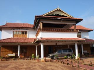 3 bedroom Bed and Breakfast with Internet Access in Palghat - Palghat vacation rentals