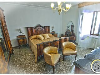 Cozy 2 bedroom City of Venice Apartment with Internet Access - City of Venice vacation rentals