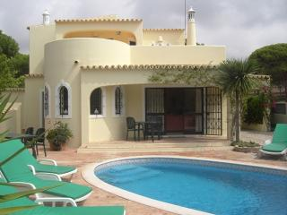 Bright 3 bedroom Vacation Rental in Vale do Garrao - Vale do Garrao vacation rentals
