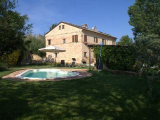 Nice 2 bedroom Bed and Breakfast in Macerata - Macerata vacation rentals