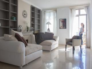 3-Bed Waterfront Penthouse Cannes - Cannes vacation rentals