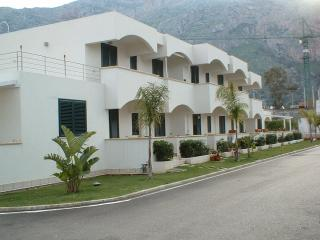 "RESIDENCE ""LE PALME"" - Capaci vacation rentals"