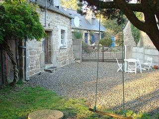 Charming 2 bedroom Cottage in Plesidy with Internet Access - Plesidy vacation rentals