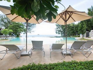 beautiful beachfront condo - Khao Tao vacation rentals