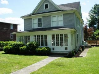 Vacation House Just a Short Walk to The Greenbrier - White Sulphur Springs vacation rentals
