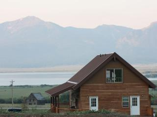 MOOSE LAKE LODGE ONLY MINUTES TO YELLOWSTONE PARK. - West Yellowstone vacation rentals