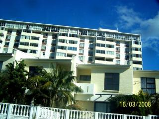 Gorgeous 10 floor Holiday flat - Summerstrand vacation rentals
