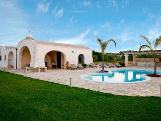 Private awesome Villa in the heart of Puglia - Martina Franca vacation rentals