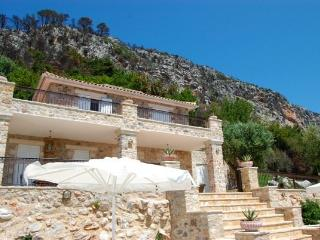 Perfect 5 bedroom Villa in Messini with A/C - Messini vacation rentals