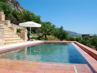 Perfect Villa with Dishwasher and Grill - Messini vacation rentals