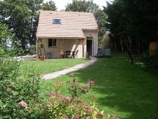 Nice Gite with Internet Access and Television - Gesnes-le-Gandelin vacation rentals