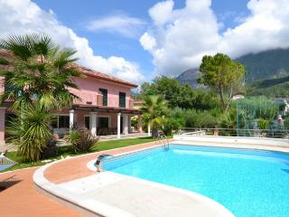 5 bedroom Villa in Maratea, Amalfi Coast Campania, Italy : ref 2226503 - Fiumicello - Santa Venere vacation rentals