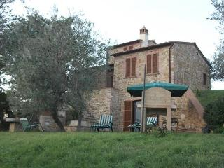 Bright 2 bedroom Villa in Montisi with Internet Access - Montisi vacation rentals