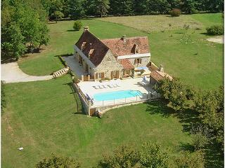 Nice Villa with Internet Access and Central Heating - Saint-Amand-de-Coly vacation rentals