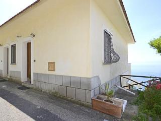 2 bedroom House with Deck in Furore - Furore vacation rentals