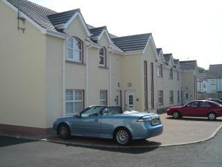 Perfect 3 bedroom Ballycastle Condo with Television - Ballycastle vacation rentals