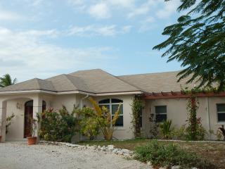ON THE BEACH 2 Bedroom Apt on Hoopers Bay sleeps4+ - Great Exuma vacation rentals