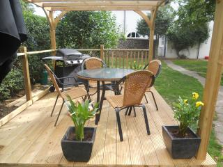 Romantic 1 bedroom Cottage in Westbourne with Deck - Westbourne vacation rentals