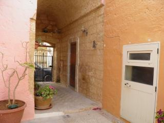 1 bedroom Apartment with Housekeeping Included in Patu - Patu vacation rentals