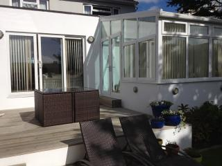 Lovely Condo with Internet Access and Television - Saint Helier vacation rentals