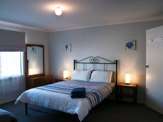 Perfect 4 bedroom House in Kingscote - Kingscote vacation rentals