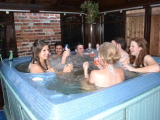 Little Lodge  - exclusive house/ private hot tub - Walcote vacation rentals