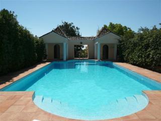 LaMuneca guesthouse - Tarifa vacation rentals