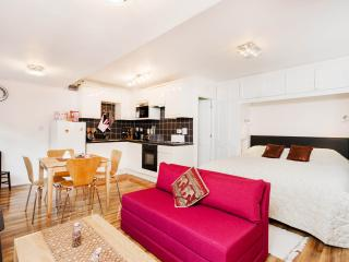 Henley-on-Thames Studio Appt - Henley-on-Thames vacation rentals