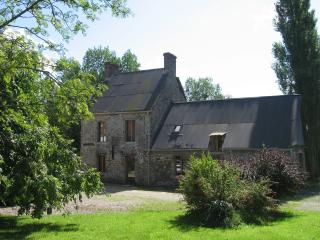 Beautiful 3 bedroom Farmhouse Barn in Coutances with Television - Coutances vacation rentals