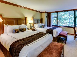 Luxury suite w/ ski access, shared pools, hot tubs, & more! - Alpine Meadows vacation rentals