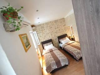 Apartman Dora - Split vacation rentals