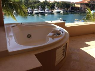 Magical Location with Beach and Lively Centro - Puerto Aventuras vacation rentals