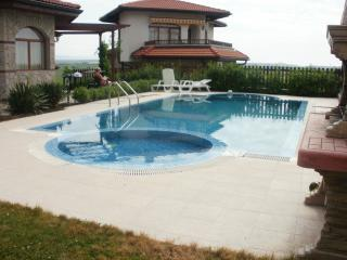 Villa with private pool, The Vineyards Spa resort - Aheloy vacation rentals