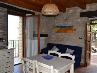 Cozy 3 bedroom House in Casoli - Casoli vacation rentals