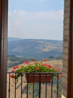 Lovely 3 bedroom House in Casoli with Internet Access - Casoli vacation rentals