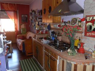 Romantic Apartment in Rome with Central Heating, sleeps 4 - Rome vacation rentals