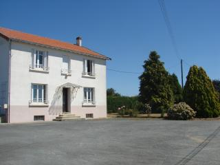 5 bedroom House with Internet Access in Les Herbiers - Les Herbiers vacation rentals